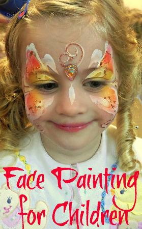 JuliaArts Yellow Butterfly Face Paint